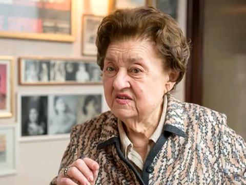 Marea actriţă Tamara Buciuceanu Botez, în lacrimi pe scenă! Artista de 89 de ani a fost omagiată la împlinirea a 65 de ani de carieră FOTO
