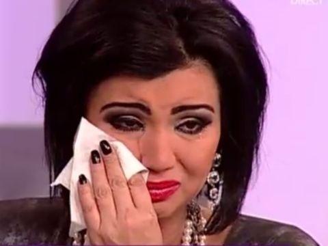 """Adriana Bahmuţeanu şi copiii, distruşi de durere: """"L-am înmormântat"""""""
