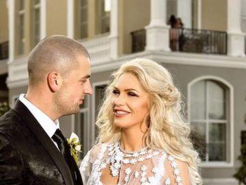 Bogdan o înşală pe Hannelore? Imaginea care ar putea arunca în aer căsnicia celor doi concurenţi