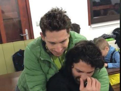 Pepe şi-a dizlocat umărul la schi! Un bărbat i l-a pus la loc imediat, iar momentul a fost filmat!