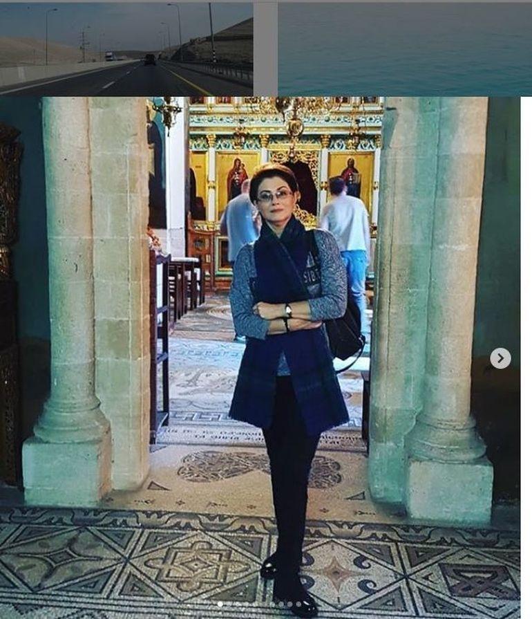 Corina Dănilă nu a fost niciodată atât de slabă! Vedeta s-a dus la mânăstire să se roage! FOTO