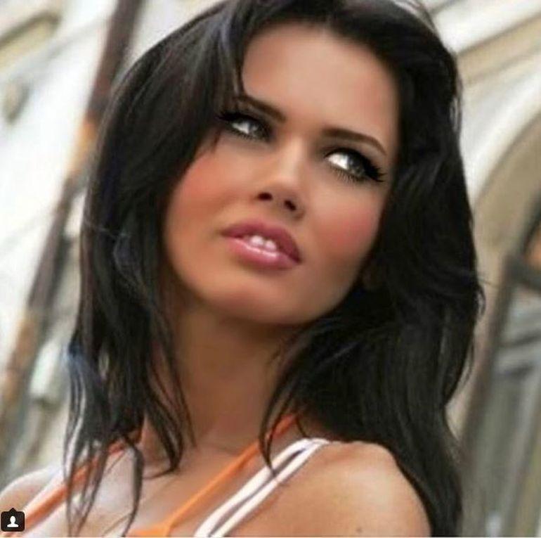 """Oana Zăvoranu aruncă bomba! A făcut chiar ea anunţul: """"Vreau să am tot ce nu am avut când îmi doream"""""""