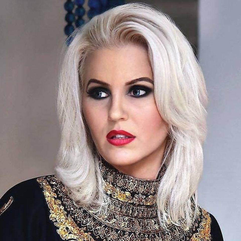 Avere de 10 miliarde dolari pentru fosta Miss Universe România! Anca trăieşte în India şi e de departe mai bogată decât magnaţii