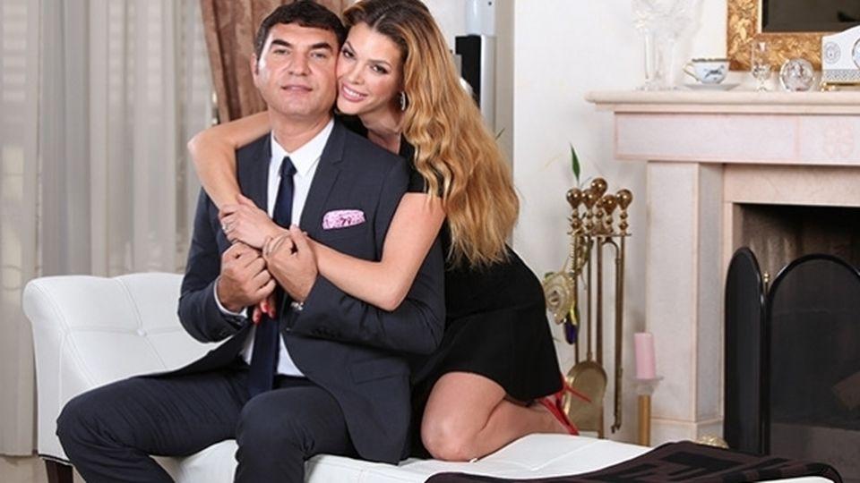 Copiii lui Cristi Borcea cu Alina Vidican s-au îmbrăcat elegant şi au făcut senzaţie! Uite cum arată Alexandru şi Gloria FOTO