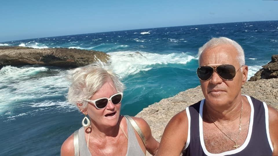 Scandal din cauza pensiei uriaşe a Monicăi Tatoiu! Pensionarii s-au revoltat când au văzut că se răsfaţă în vacanţe exotice!