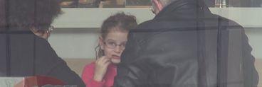 Irinel Columbeanu s-a conformat programului de vizita, dar a batut la porti inchise! Irinuca a izbucnit in lacrimi cand a vazut ca mama ei cu care trebuia sa-si petreaca weekend-ul, nu era acasa
