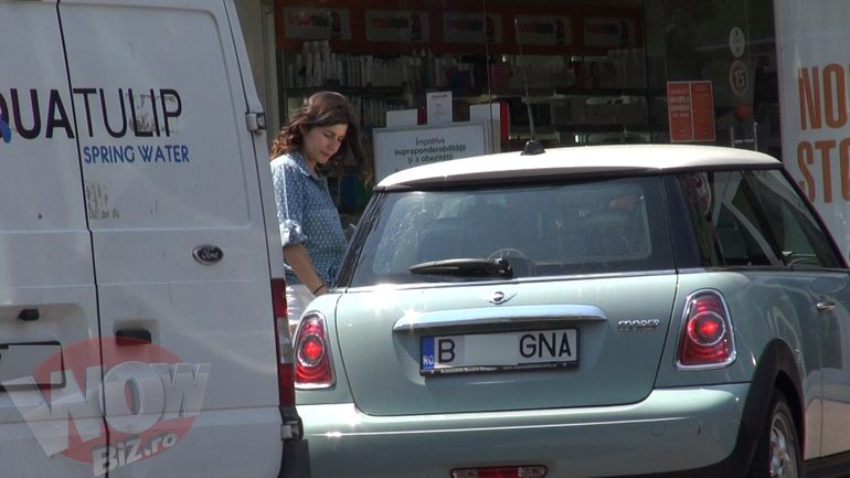VIDEO | Confuzie in parcare! Vezi ce surpriza neplacuta a avut Ana Geoana cand a iesit dintr-un supermarket