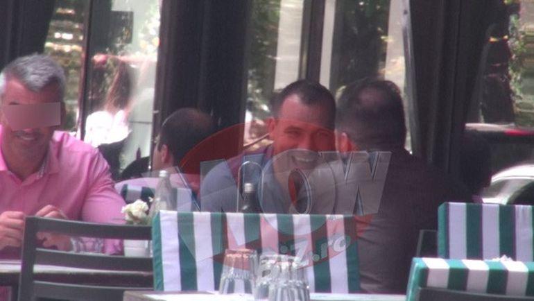 VIDEO! Iti era dor de Ionut Iftimoaie? Kickboxerul a iesit la masa cu niste prieteni si pare mai fericit ca niciodata!