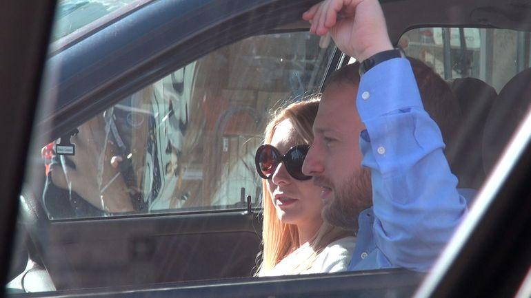 VIDEO EXCLUSIV! Andrei Tinu isi plimba sotia gravida cu