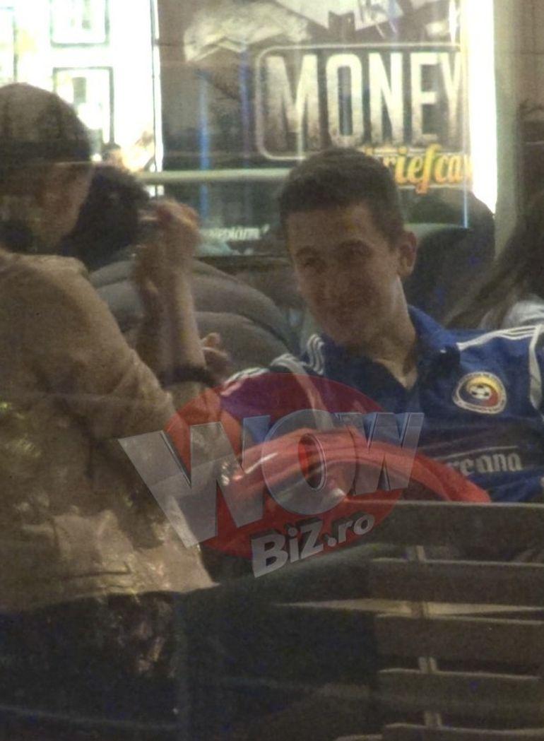 VIDEO | Cat de pasional e fotbalistul Gardos! Se saruta la mall cu iubita lui cea sexy! S-a indragostit nebuneste de bruneta, un fotomodel cunoscut