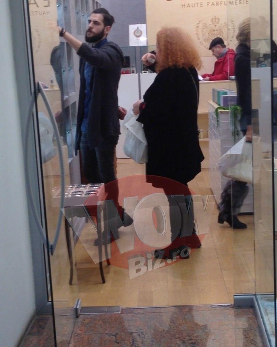 VIDEO | Narcisa Suciu s-a intors in Romania si a dat iama in mall!