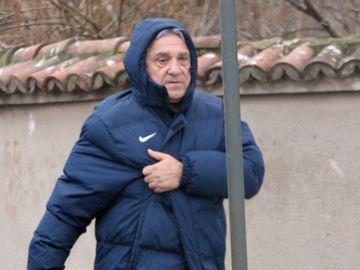 Giovani Becali, azi nu ai stil!! Celebrul impresar a purtat geaca de fotbal la pantaloni de stofa si pantofi VIDEO EXCLUSIV
