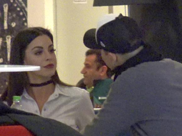 Natalia Mateut a iesit la o prajitura cu un barbat misterios! Fata fostului mare dinamovist vrea sa se indragosteasca iar VIDEO EXCLUSIV