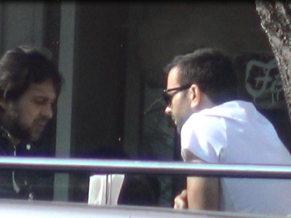 VIDEO EXCLUSIV Sotul Deliei Matache, la terasa cu Mihai Morar. Razvan Munteanu e de nerecunoscut, si-a schimbat total look-ul