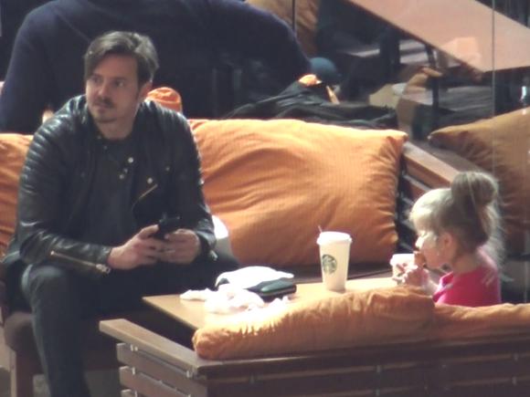 La TV e un tip dur, insa cand e cu fiica lui, Mihai Petre este tot un zambet! Imagini emotionante cu coregraful si dragalasa lui fetita! Video