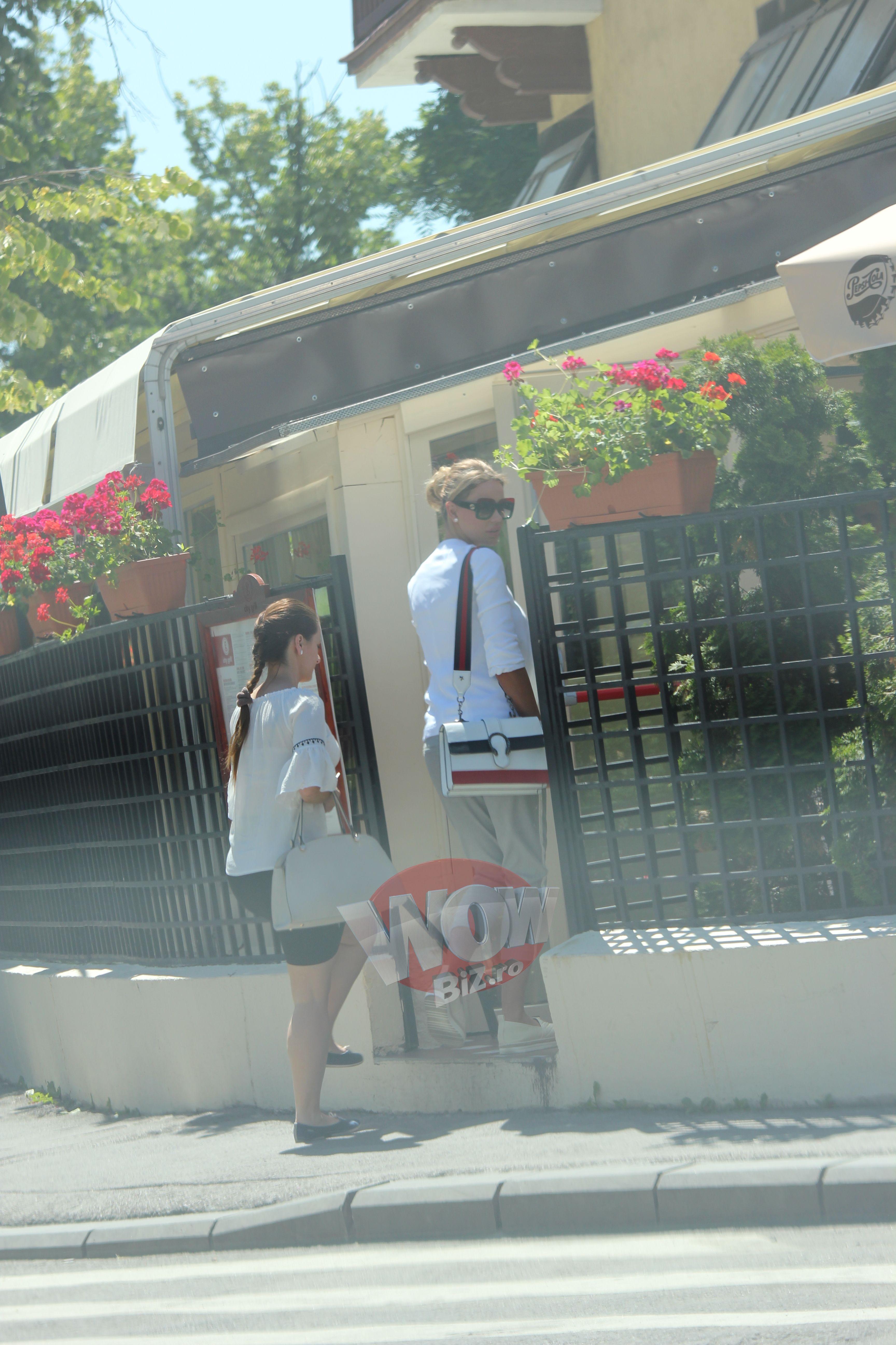 Bianca Dragusanu, primele probleme cu masina ei de lux