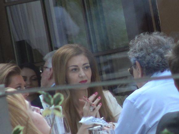Ce bine arata sotia lui Nicolae Badea! Cei doi au iesit la un restaurant, iar Oana respira eleganta si bunastare | VIDEO EXCLUSIV