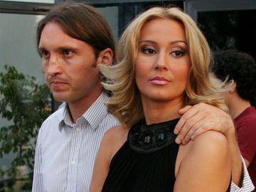 De cand s-a maritat, Crina Abrudan pare ca a inflorit! Fosta vedeta tv si sotul ei s-au distrat la mare! Gabi Popescu a dansat chiar si cu un alt barbat VIDEO EXCLUSIV