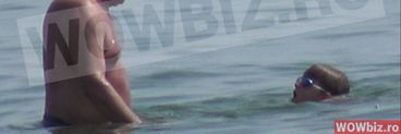 Vasile Blaga a trecut de geamandura facandu-i nepotelului o demonstratie de inot VIDEO EXCLUSIV