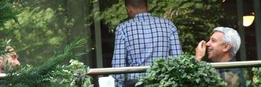 Dan Diaconescu a purtat o bratara roz la intalnirea cu Marius Tuca! Cei mai cunoscuti caracaleni au facut pace dupa doua deceni
