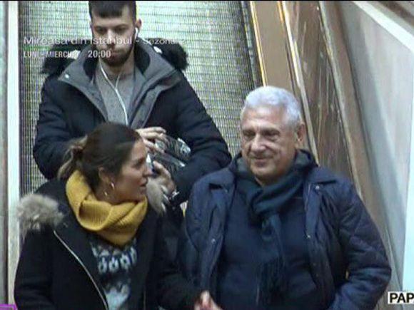 Apariţie rară! Giovani Becali, cu fiica lui la cumpărături în mall!