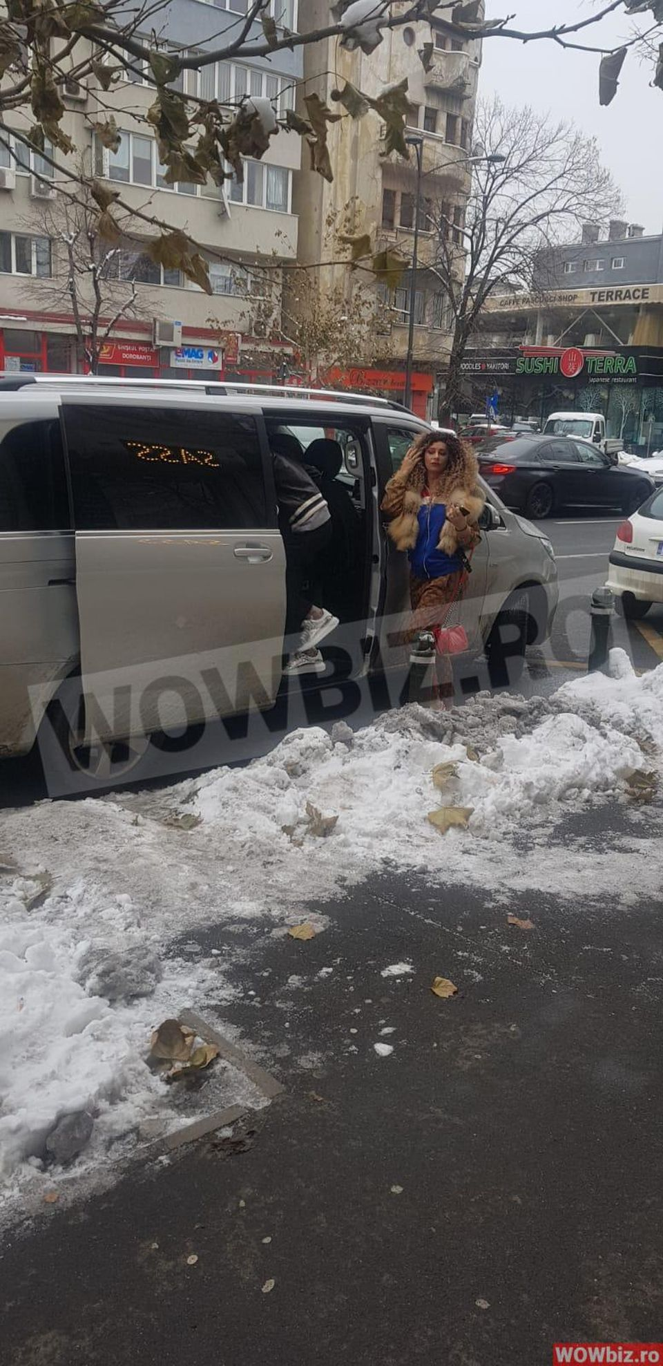 Anamaria Prodan, apariţie şocantă în mijlocul străzii! Nimeni nu a recunoscut-o cu noua ei coafură! Nu este vorba de frizura palmier