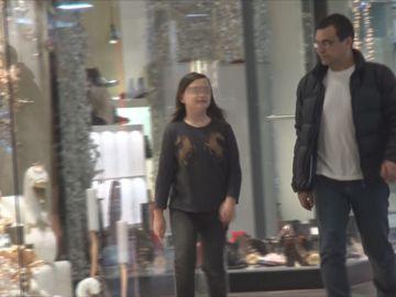 Mihai Mărgineanu, tatăl perfect! Şi-a scos fata la mall ca să-i cumpere telefon