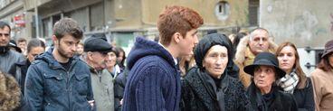 """Mama lui Serban Ionescu, Florica, e prabusita de durere langa sicriul fiului sau. Zeci de actori si vedete si-au luat ramas bun de la cel poreclit """"Pelicanul"""""""