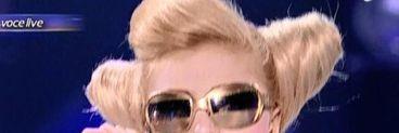 """Scene erotice pe scena de la """"Te cunosc de undeva""""! Lora a fost Lady Gaga!"""