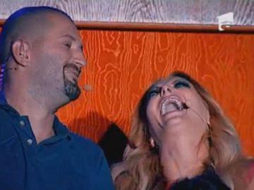 "VIDEO! Astazi e iubire mare intre Cheloo si Delia la X Factor. Acum 12 ani, rapperul o facea praf: ""Impusca-te! Esti c...va, prostitutia muzicala"""