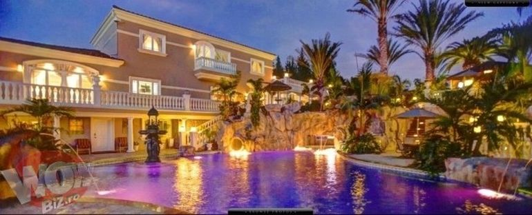 Video interzis minorilor! Uite cum arata o petrecere de milionar roman in California! Ce ai vazut in casa Playboy e minciuna!