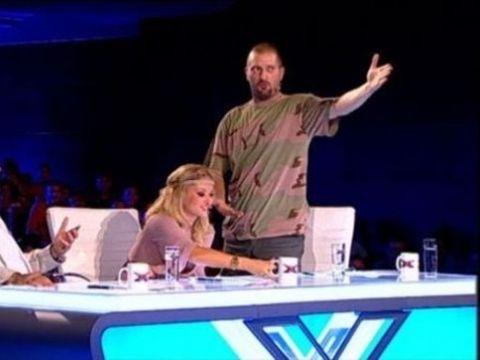 Paolo Lagana va avea mari belele daca nu se potoleste! Gay-ul de la X Factor, dat in judecata de Antena 1!