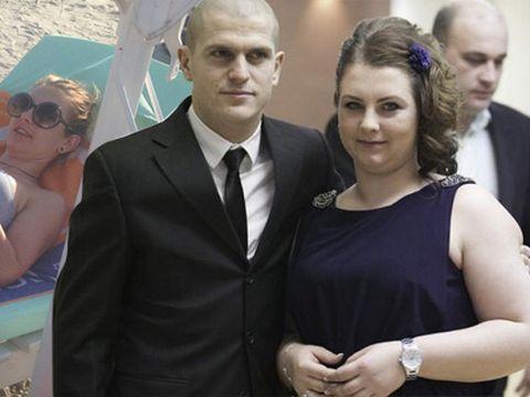 VIDEO EXCLUSIV! Primele imagini cu Adina Bourceanu in costum de baie dupa ce a slabit 40 de kg! Sotia stelistului Alex Bourceanu e alta persoana! Nu mai are nicio retinere sa se afiseze pe plaja