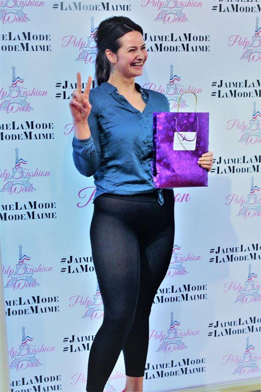 Adela Lupse se dezbraca la Paris!