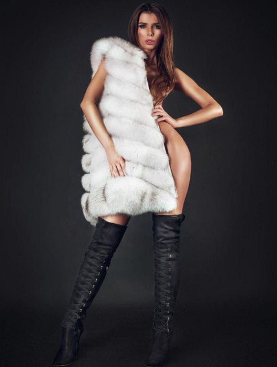 Fosta Miss Romaia a renuntat la inhibitii! A aratat tot! Imagini fierbinti cu Ioana Filimon