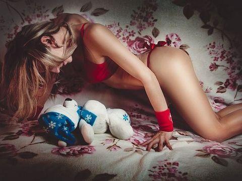 5 trucuri pe care fetele cuminti trebuie sa le invete de la starurile porno