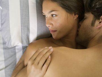 Aşa ceva nu s-a mai pomenit! O femeie şi-a dat iubitul în judecată din cauza penisului său! Iată ce acuzaţii face