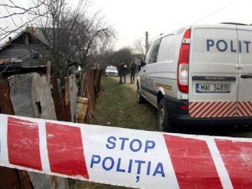 Crimă terifiantă în Argeş! Un bărbat a fost găsit cu gâtul tăiat şi înjunghiat în inimă! Se afla pe scaun în timpul atacului