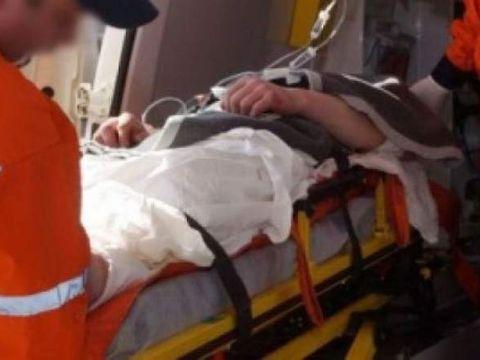 Un tată şi-a înjunghiat copilul, după ce băiatul ar fi încercat să-l oprească din băut