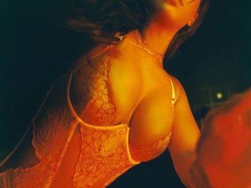 Rihanna, deloc ruşinoasă! Imagini peste măsură de sexy din intimitatea artistei