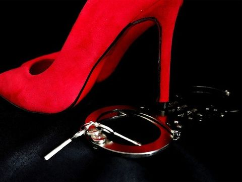Ce trebuie sa stii despre jucariile sexuale si cum sa le folosesti corect