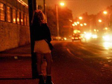 Caz şocant. Un român a făcut o femeie de 20 de ani să îl ia de bărbat, apoi a obligat-o să se prostitueze. Prin ce coşmar a trecut tânăra!
