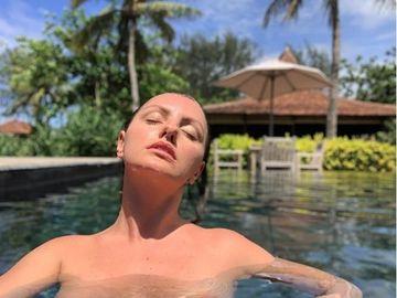 Imagini interzise minorilor cu Alexandra Stan, din vacanţă! Şi-a dat jos hainele, iar fanii au înroşit butonul de like