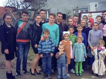 Tragedie într-o familie cu 18 copii! Mama a murit la 49 de ani!