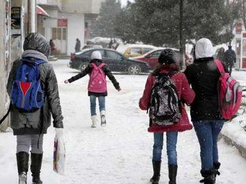 Școli închise din cauza gripei. În ce condiții se suspendă cursurile în Capitală
