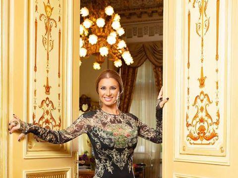 """Scenă fabuloasă cu Anamaria Prodan şi Giovanni Becali în palatul lui Gigi Becali: """"Eram cu spatele, eram cu părul lung, desfăcut, chiar arătam foarte bine"""""""