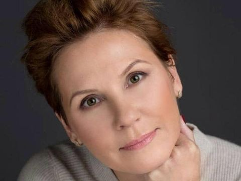 Doliu în România! O jurnalistă cunoscută a murit azi-noapte. Și-a luat adio pe Facebook, cu câteva minute înainte să se stingă