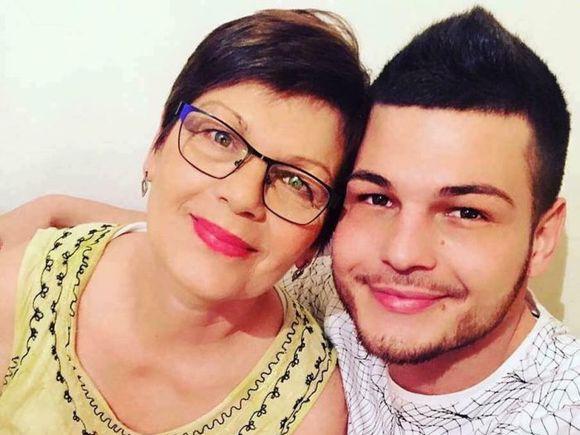Cum a reacționat mama lui Răzvan Botezatu când a aflat că fiul ei este homosexual!