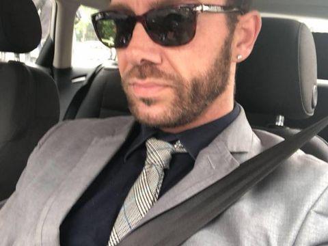 Matthew Mode, medic cu diplomă din Kosovo. Documente prezentate în România