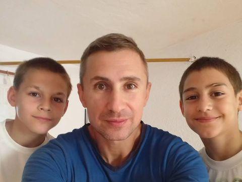 """Tatăl lui Giuliano Stroe are o părere bună despre medicul fals din Italia: """"L-aș lua ca asistent și l-aș invita să facă o facultate adevărată!"""""""